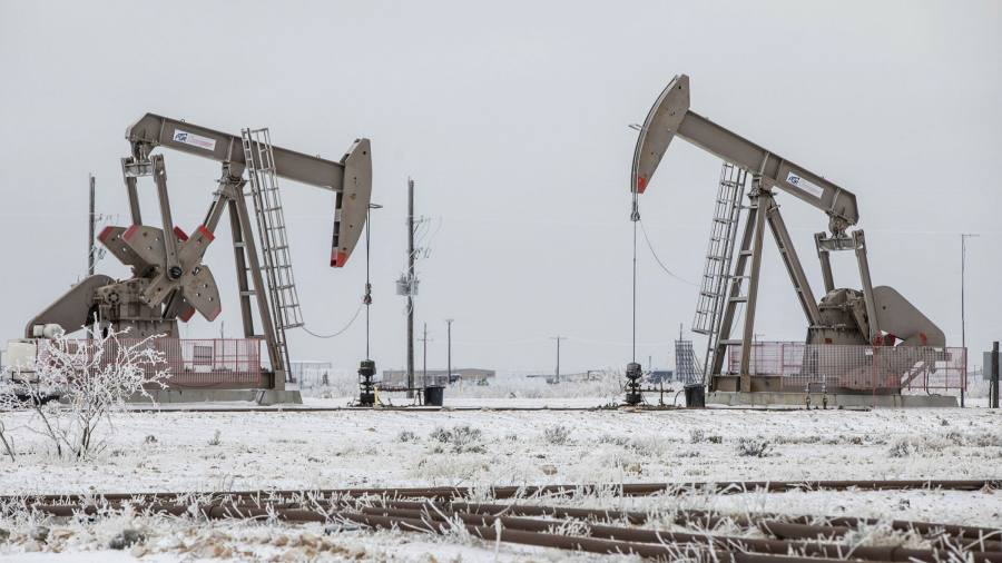 Oil and gas industry in Texas buckles under strain of Arctic blast - Financial Times