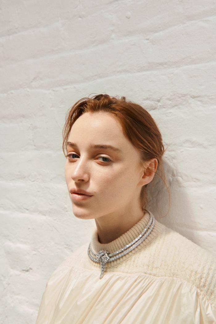 Phoebe Dynevor wearing a Louis Vuitton white-gold anddiamond LaStardu Nord necklace, POA