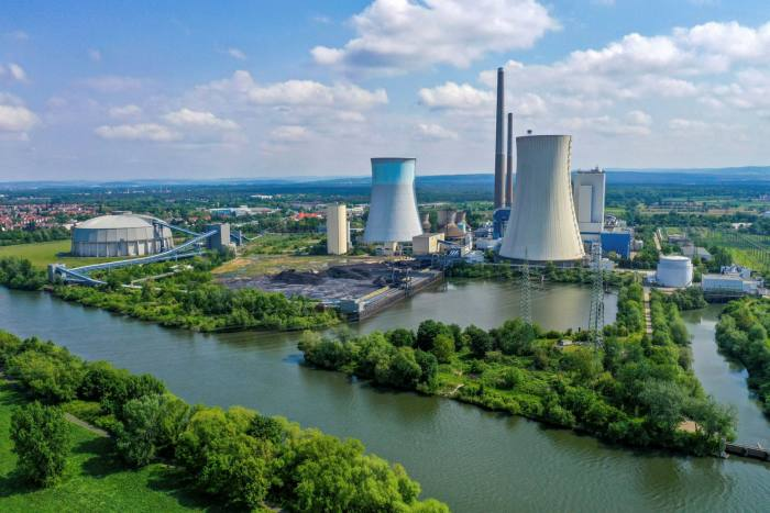 The Grosskrotzenburg coal-fired power station in Germany. At about €25 a tonne, the carbon price is already high enough to have started to push coal off the electricity grid