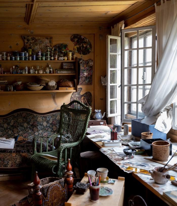 Setsuko's painting studio – she creates her ceramics in Astier de Villatte's atelier in Paris