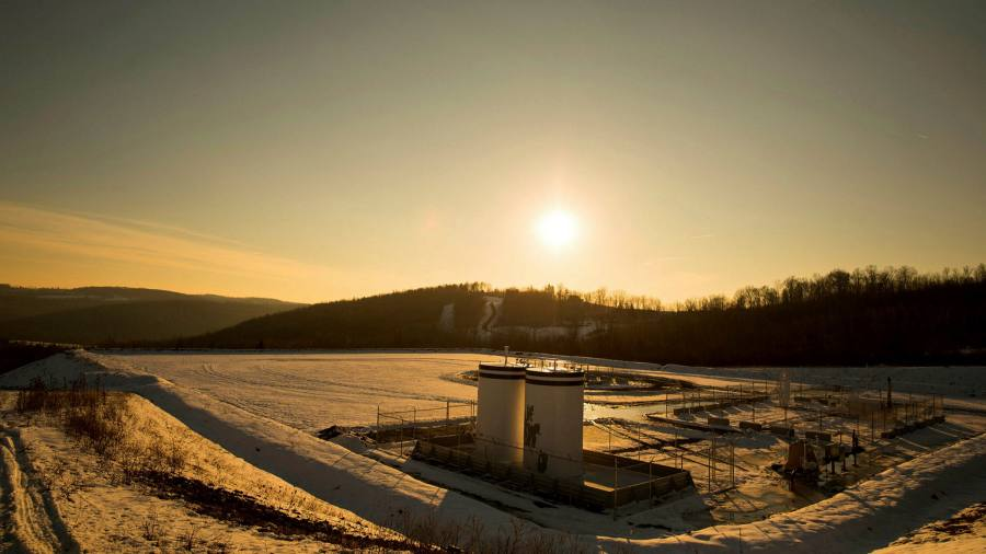 Default warning as US energy sector's financial woes persist