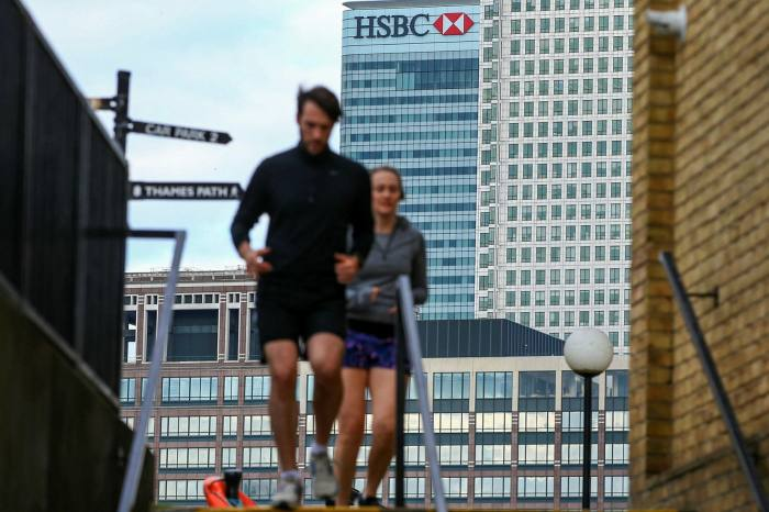 Canary Wharf will face a greater challenge in maintaining social distancing than other office clusters in London, according to research
