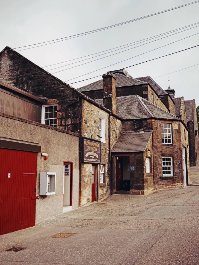 The main building of the Glenmorangie distillery