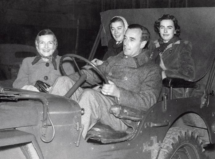 Mountbatten with his family in the mid-'40s