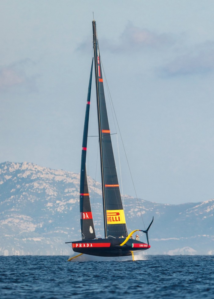 Luna Rossa's hyrdrofoiling monohull in action