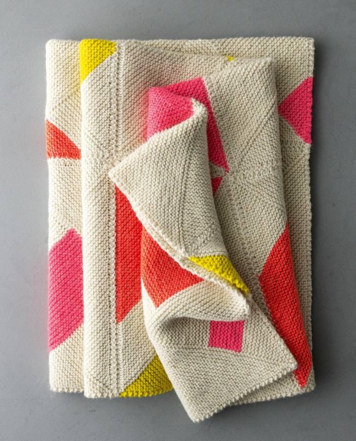 Le motif de couverture de Purl's Windy Day est gratuit;  un kit avec du fil Linen Quill Worsted coûte 280 $