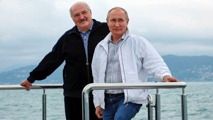 Russian President Vladimir Putin confirmed his support for Alexander Lukashenko at the Sochi meeting © Sergei Ilyin / Sputnik / AP