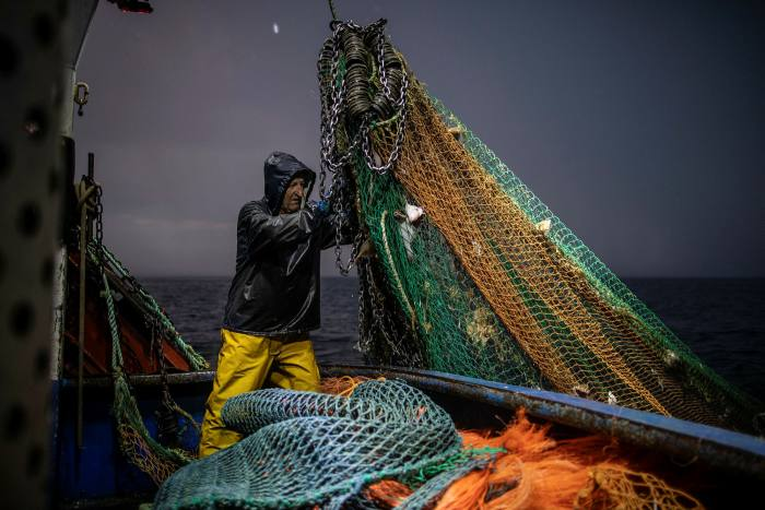 Brussels intends that this week's discussions on fish will focus on governance arrangements, given the difficulties in making headway on catching rights