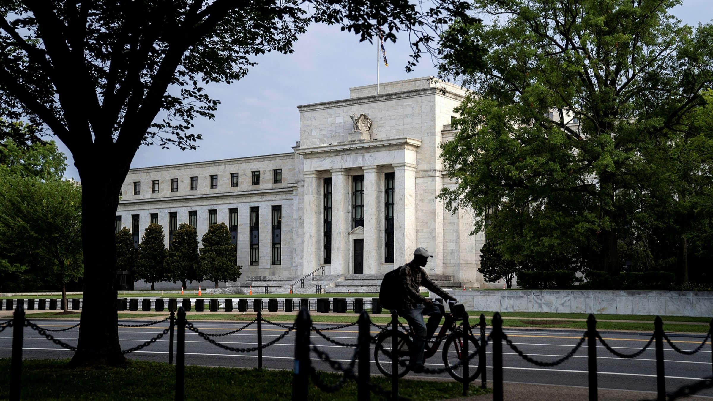 European stocks dip as Fed meeting looms