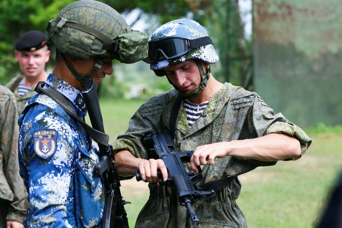 Chinese and Russian marines take part in joint exercises in China's Guangdong province