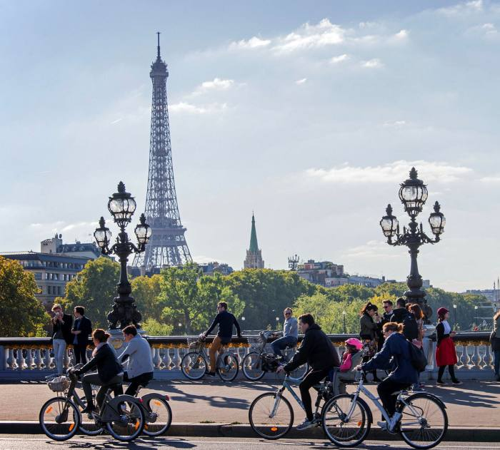 Cyclists enjoying a car-free day in Paris in 2015
