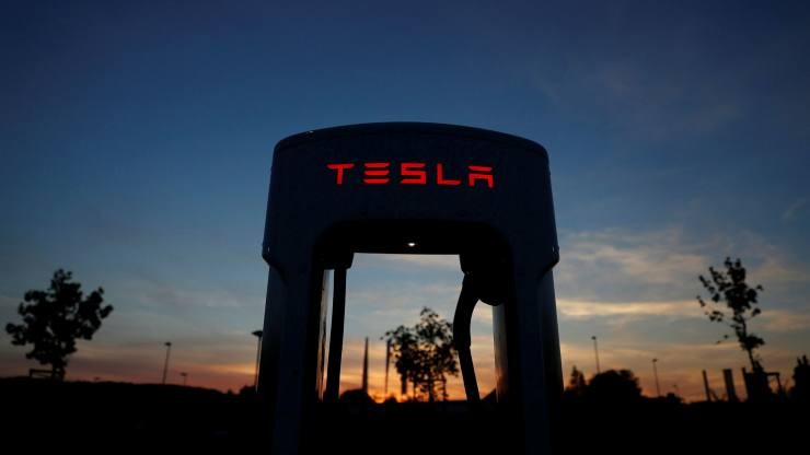 Tesla: ladies, liquor and leverage