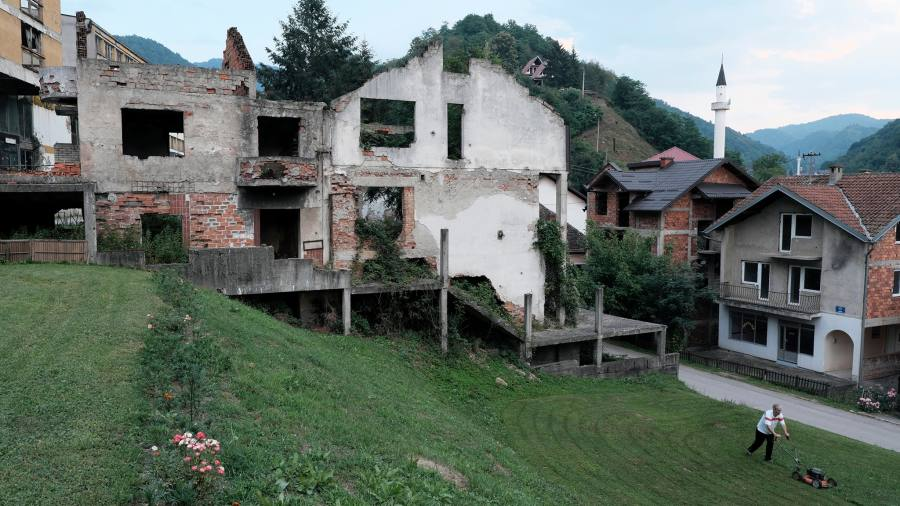 Inside Srebrenica: old scars, new wounds