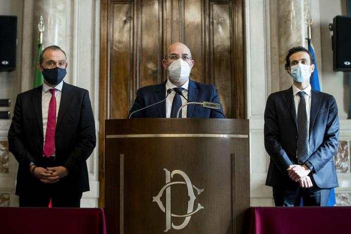 Vito Crimi, centre, at a press conference in Rome, Italy, on February 6 2021