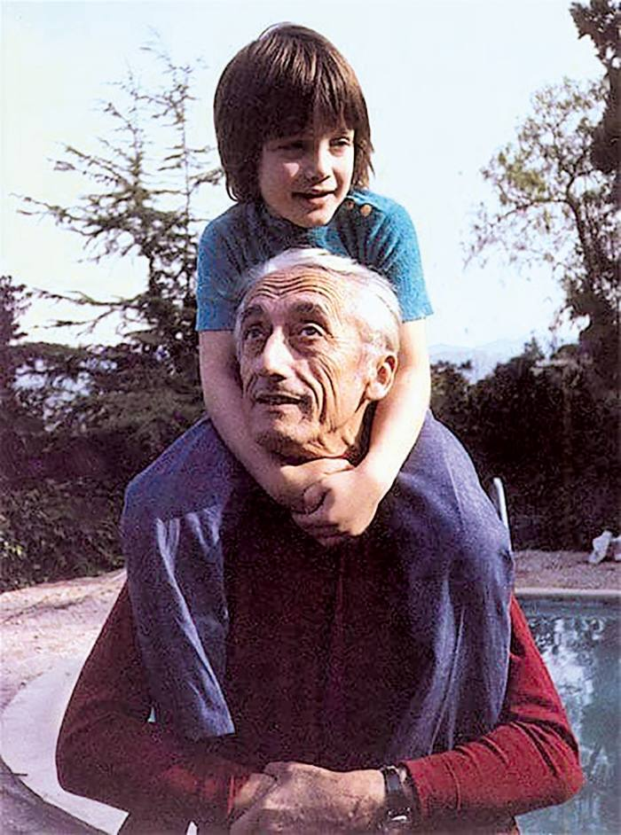 Fabien with his grandfather Jacques Cousteau, 1971