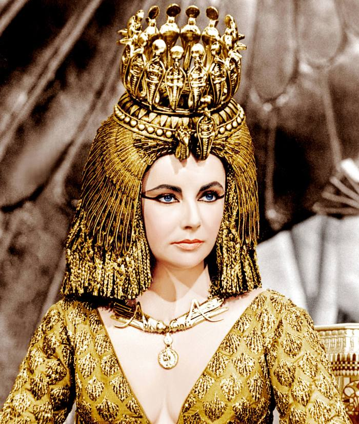 Elizabeth Taylor in Cleopatra (1963), wearing a gold coin necklace