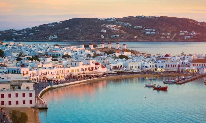 Mykonos Town: The curfew has been lifted, the nightclub is open, and private parties can accommodate up to 100 people © Getty Images