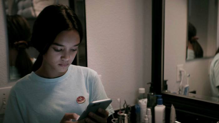 Sophia Hammons as Isla in 'The Social Dilemma'