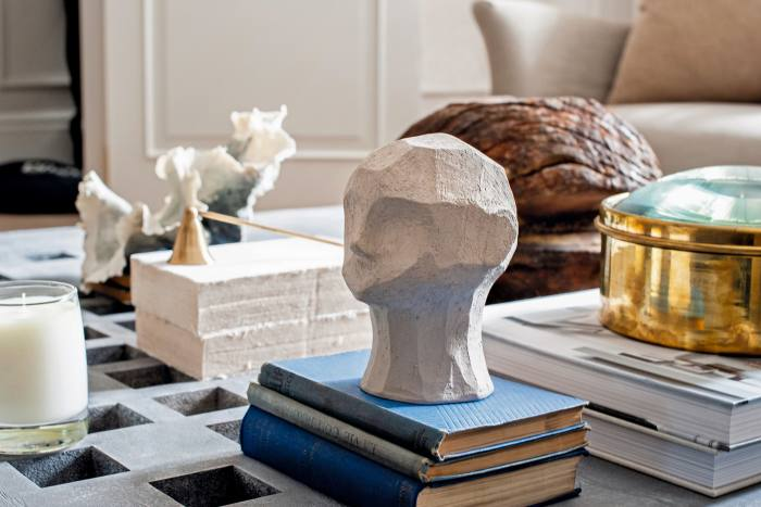 A sculpted head, Ollie Mud, by Cooee Design in collaboration with Kristiina Haataja