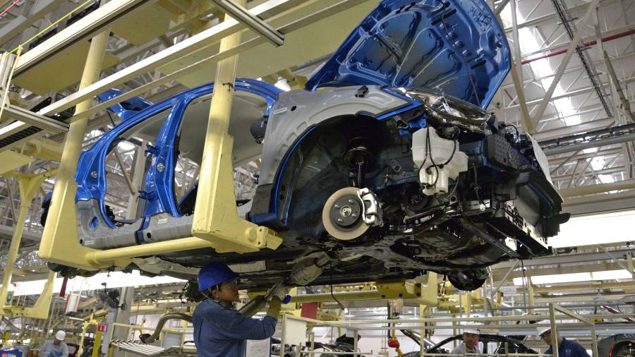 Japanese carmakers opt to triple Mexican pay rather than move to US