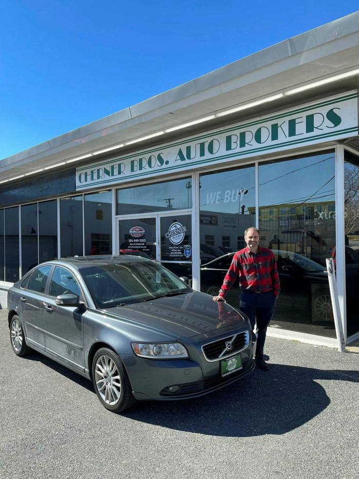 Cherner Brothers Auto Sales in Kensington, Maryland