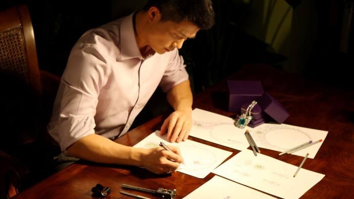 JamesGanh sketching in his London studio