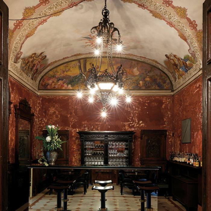 The hotel's ornate Piccolo Bar is popular with the fashion crowd
