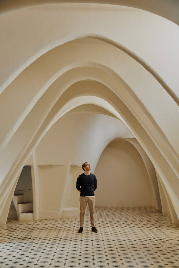 """""""The magic of the building exists in the realm of the senses"""": Gautier on Gaudí's design"""