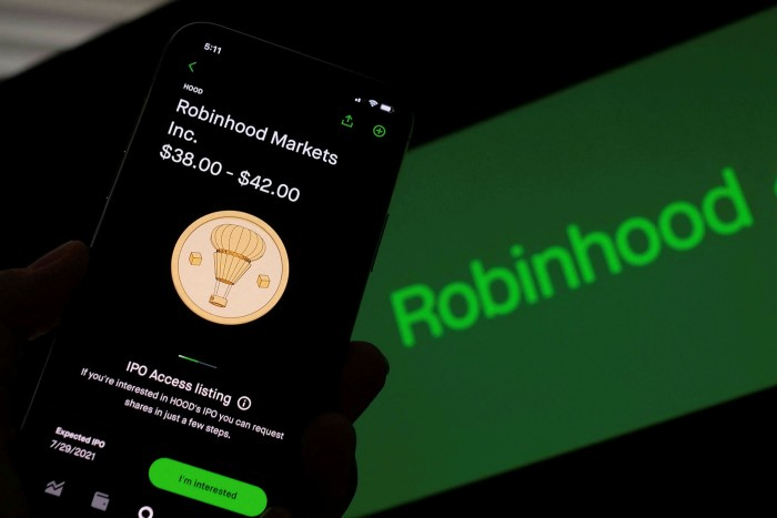 Robinhood aimed for a valuation of as much as $35bn when it went public but that quickly dropped to $29bn