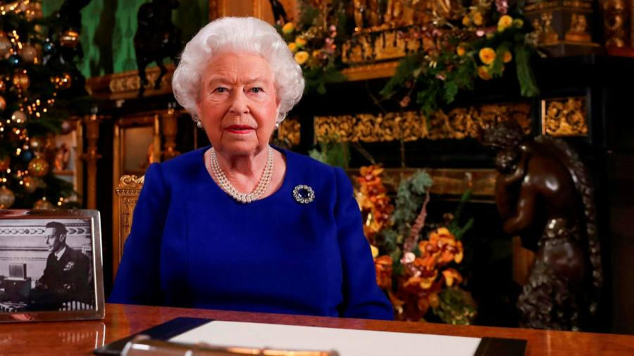 Queen tocall for resolve and self-discipline in fight against coronavirus