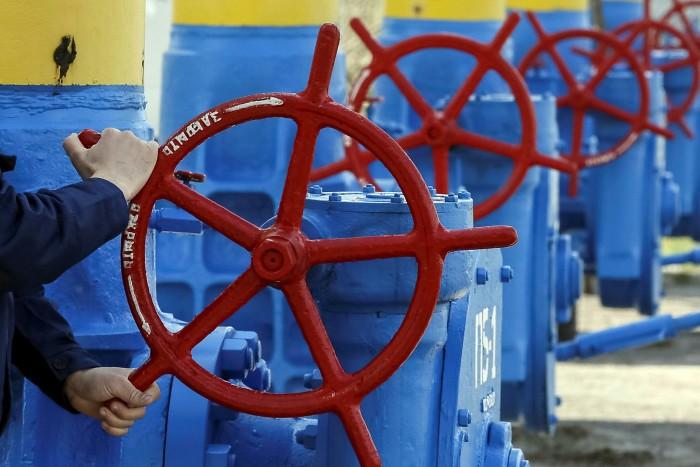 A gas pipeline valve