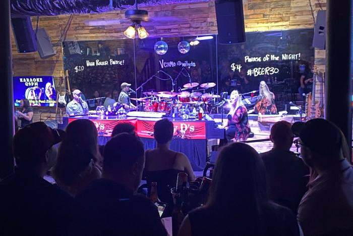 Clienti di Willy D's Rock & Roll Piano Bar