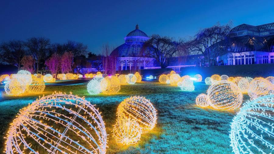 The best botanic garden Christmas light shows