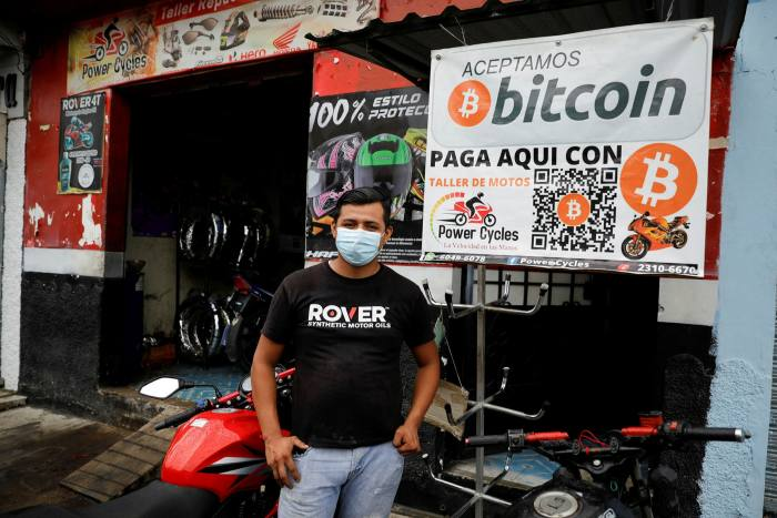 A motorcycle repair shop in Aguilares that accepts bitcoin as a payment method