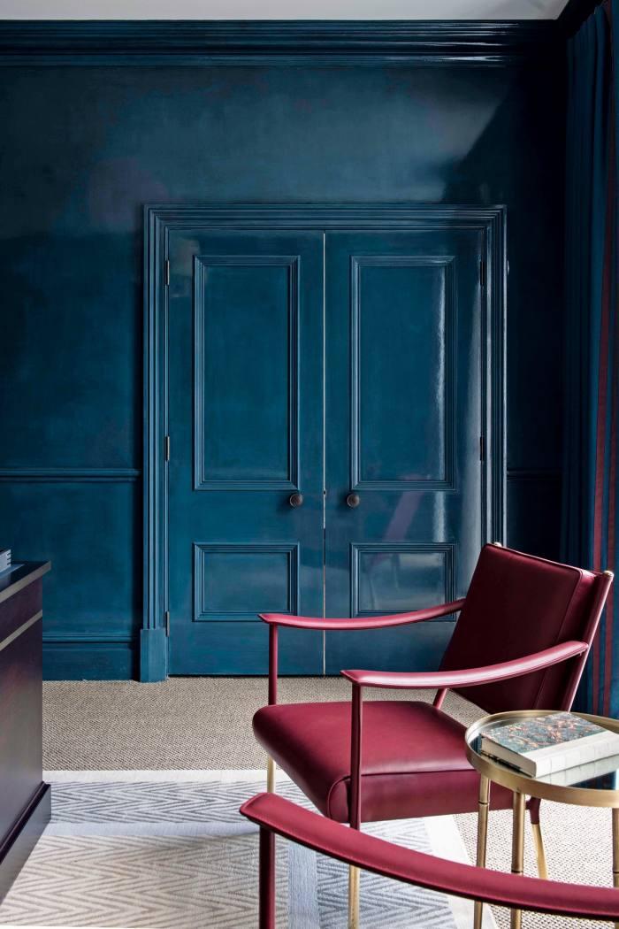 A bedroom by Henry van der Vijver in HV'Art Crystal Lacquer finish