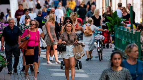 Coronavirus Outlier Sweden Chooses Its Own Path On Face Masks Financial Times