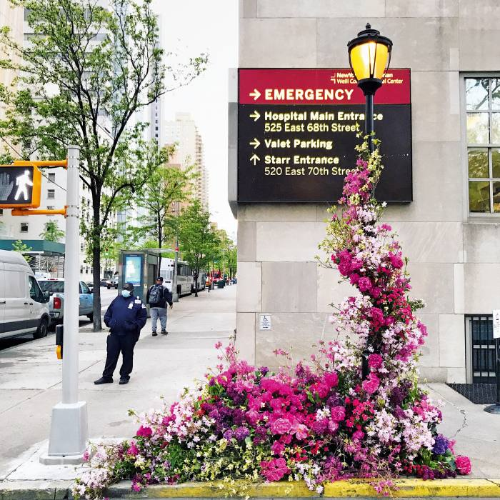 Miller's Flower Flash tribute to New York healthcare workers in partnership with American Express