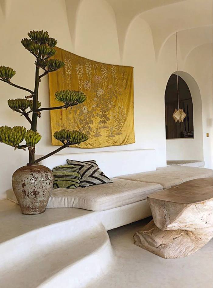 The Mallorcan home of MoreDesign's Oro and Tille del Negro