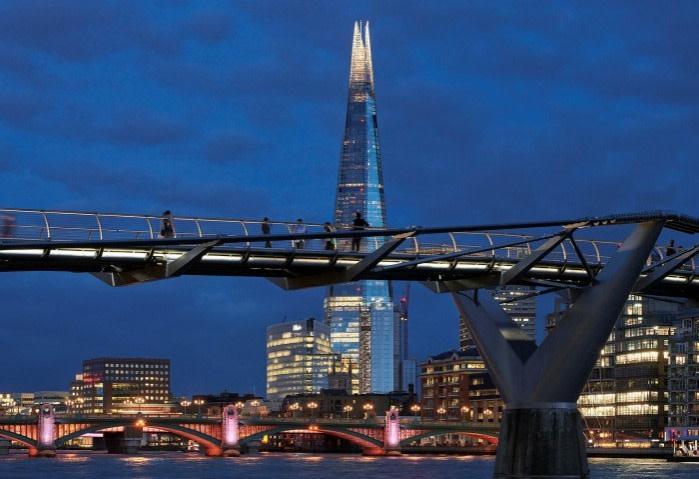 The illuminated Millennium footbridge