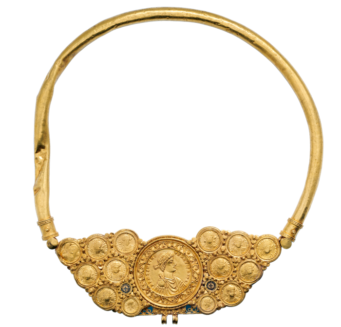 Byzantine pectoral necklace at New York's Metropolitan Museum of Art