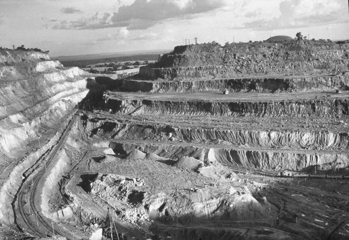 A Union Minière copper and cobalt mine in 1953. The company, which was part owned by a British group, was the world's largest copper producer by 1929, the largest producer of cobalt by the 1960s