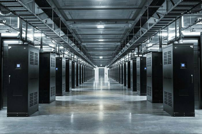 By choosing to locate its data centres in Luleå, Facebook has reduced the energy required to cool its servers and its greenhouse gas emissions