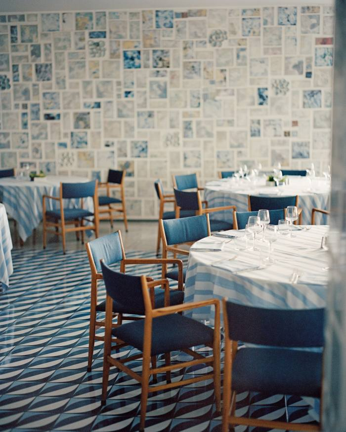 The dining room in Gio Ponti Restaurant at the Parco dei Principi hotel