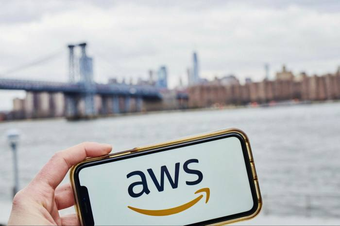 Amazon emitted 44m tonnes of greenhouse gas in 2020