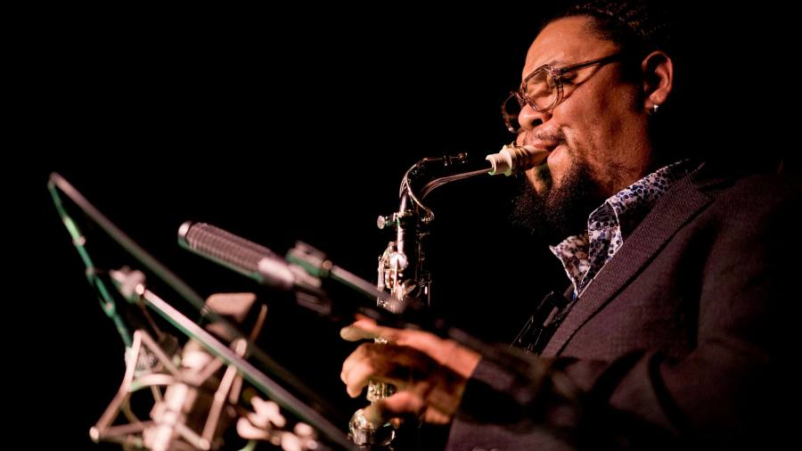Dayna Stephens Quartet: Right Now! Live at the Village Vanguard — confident and engaging
