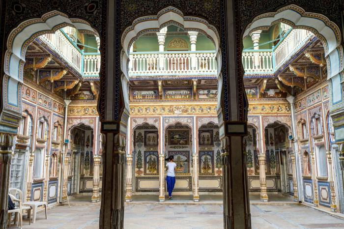 The courtyard of the Podar Haveli museum in Rajasthan, India