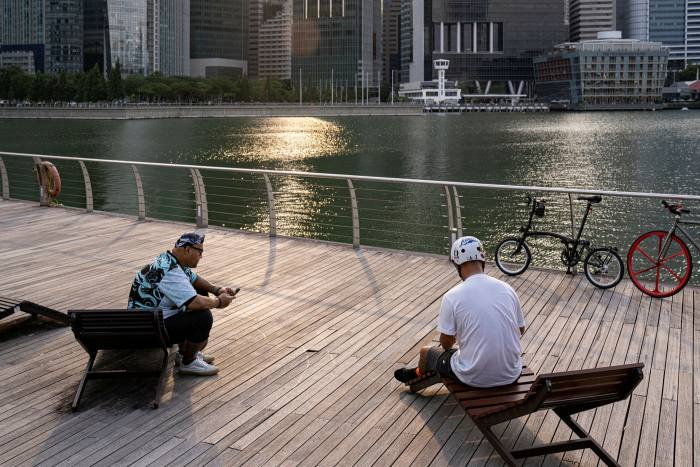 Marina Bay Sands, a place to avoid before coronavirus due to throngs of tourists