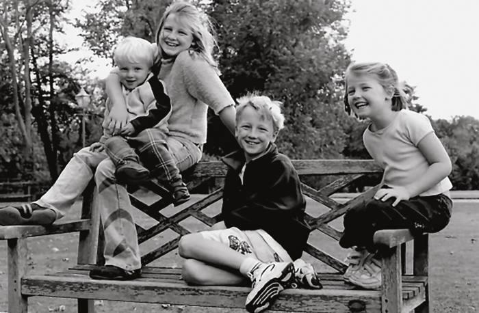 Ducas's own pea-pod charm represents her four children