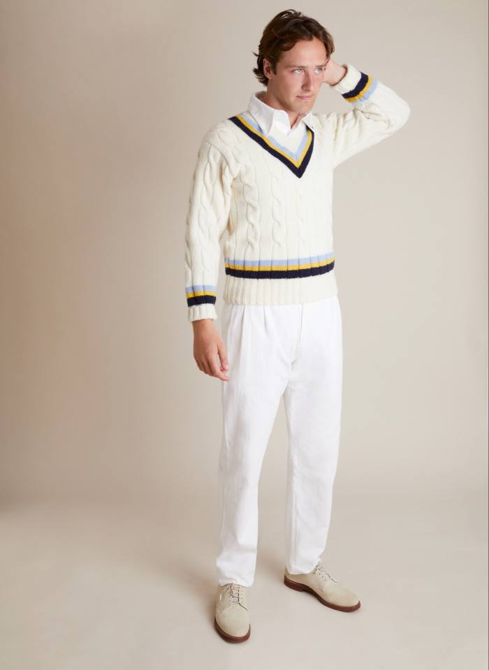 Maglia da cricket Brian Close di NE Blake & Co in lana, £ 139, pantaloni da cricket Len Hutton in drill di cotone, £ 99