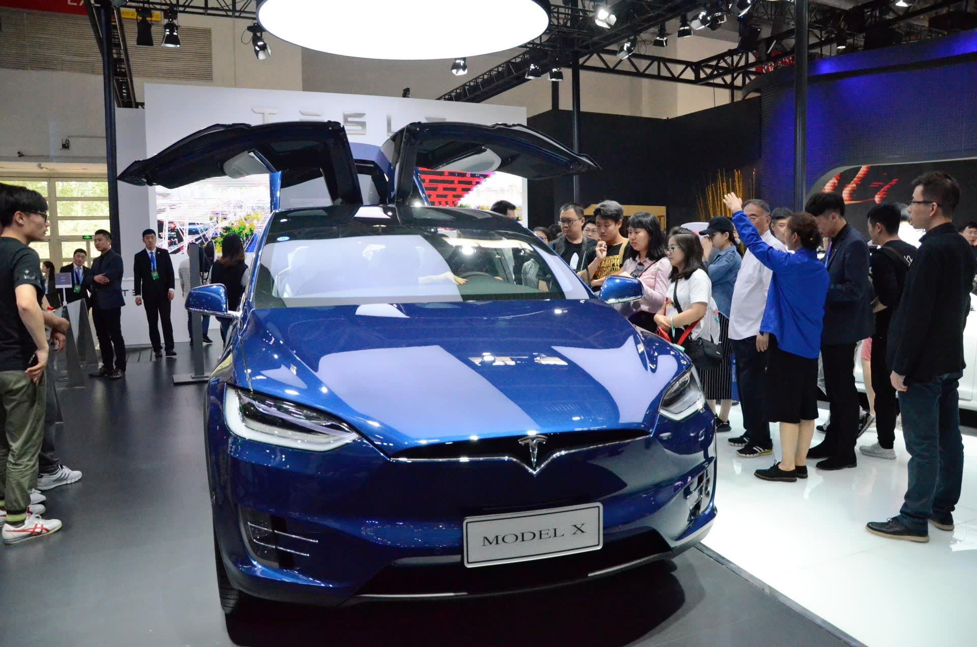 Tesla charges ahead in China as it burns through cash - Nikkei Asian Review